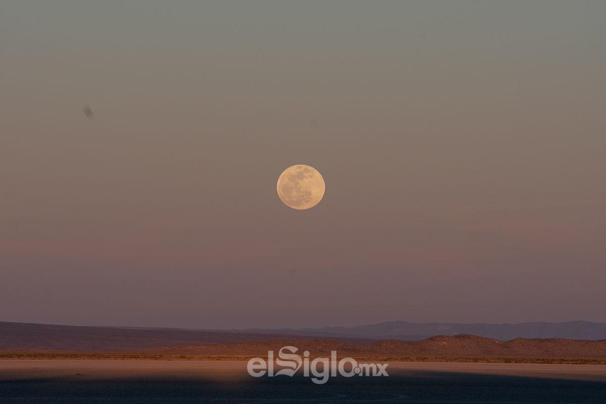 Aspectos de la Superluna desde La Laguna de Mayrán.