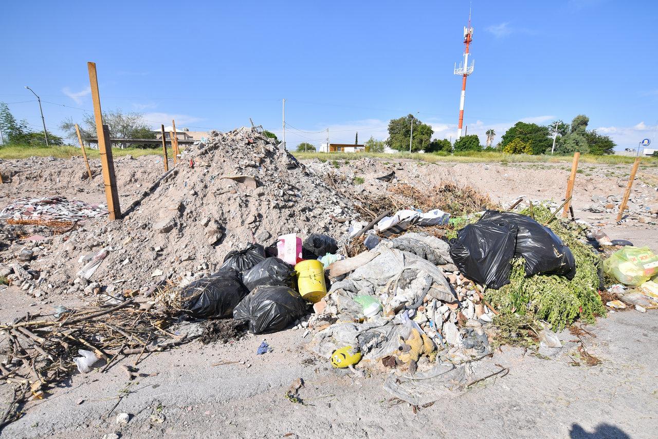Persisten problemas. Los vecinos mencionaron que hace unos dos años limpiaron, pues los desechos estaban hasta en la calle, pero se volvió a acumular basura.