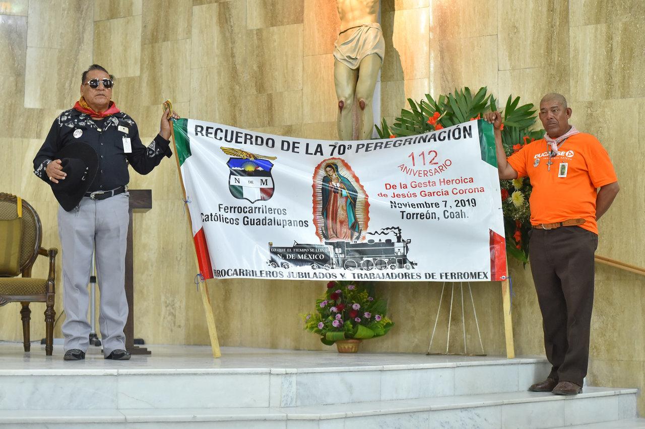 Recuerdo. Los trabajadores del ferrocarril recuerdan que la tradición de venerar a la Virgen data de 1949. Además de que en 1907 se dio la gesta heroica del maquinista Jesús García Corona, cerca del municipio de Nacozari en Sonora.