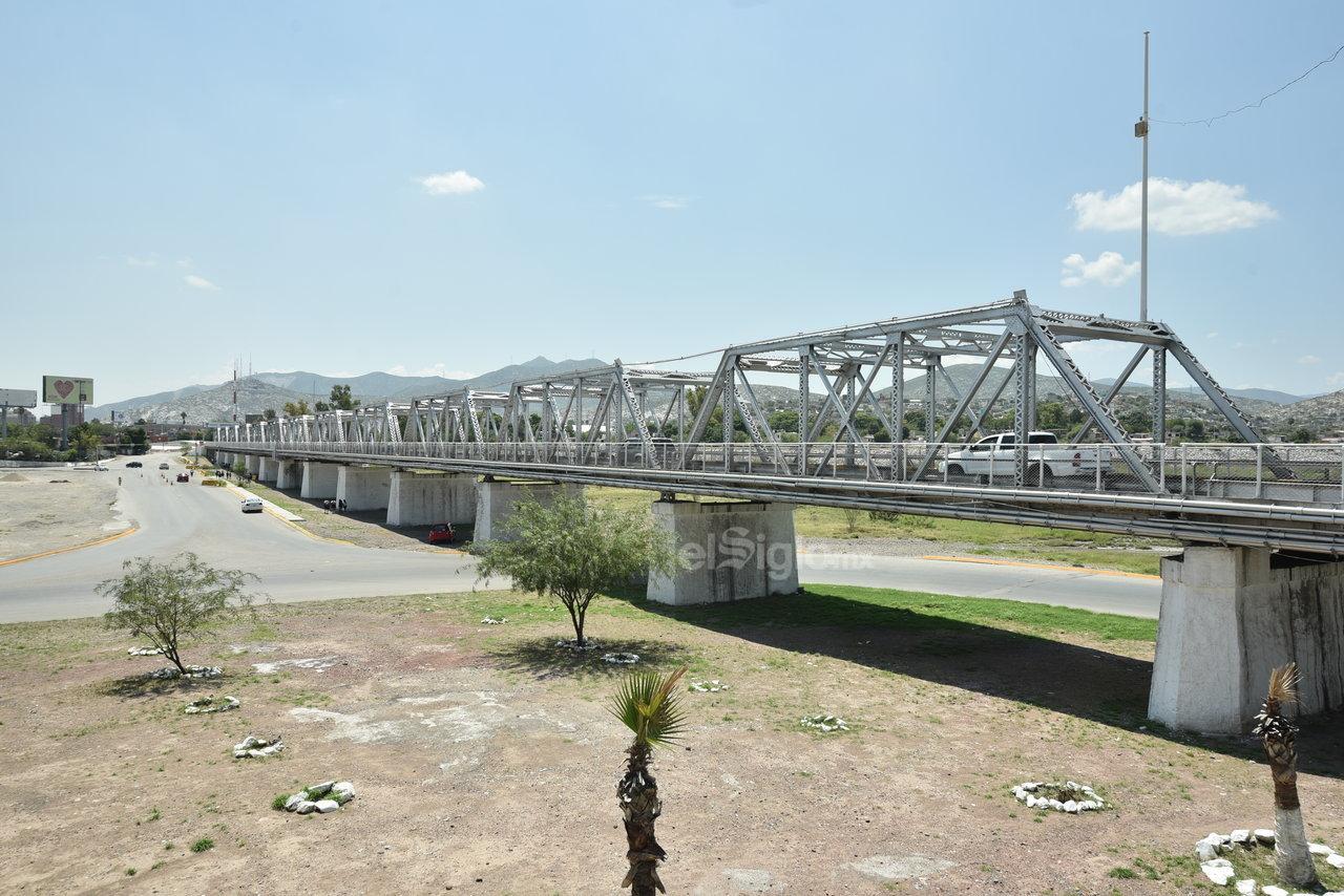Símbolo. Cada uno de estos puentes representa mucho más que una estructura, pues son símbolo de unión y sinergia en la zona, debido a las actividades que diariamente realizan miles de laguneros de distintos municipios.