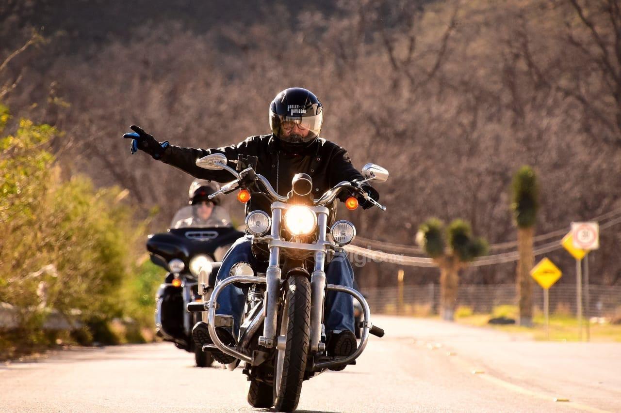 El evento congregó a más de 6 mil personas, de entre ellas hubo participantes de motoclubs de las cinco regiones de Coahuila y de los estados de Nuevo León, Tamaulipas, Zacatecas, San Luis Potosí, Durango, Chihuahua, Jalisco y el sur de Estados Unidos.