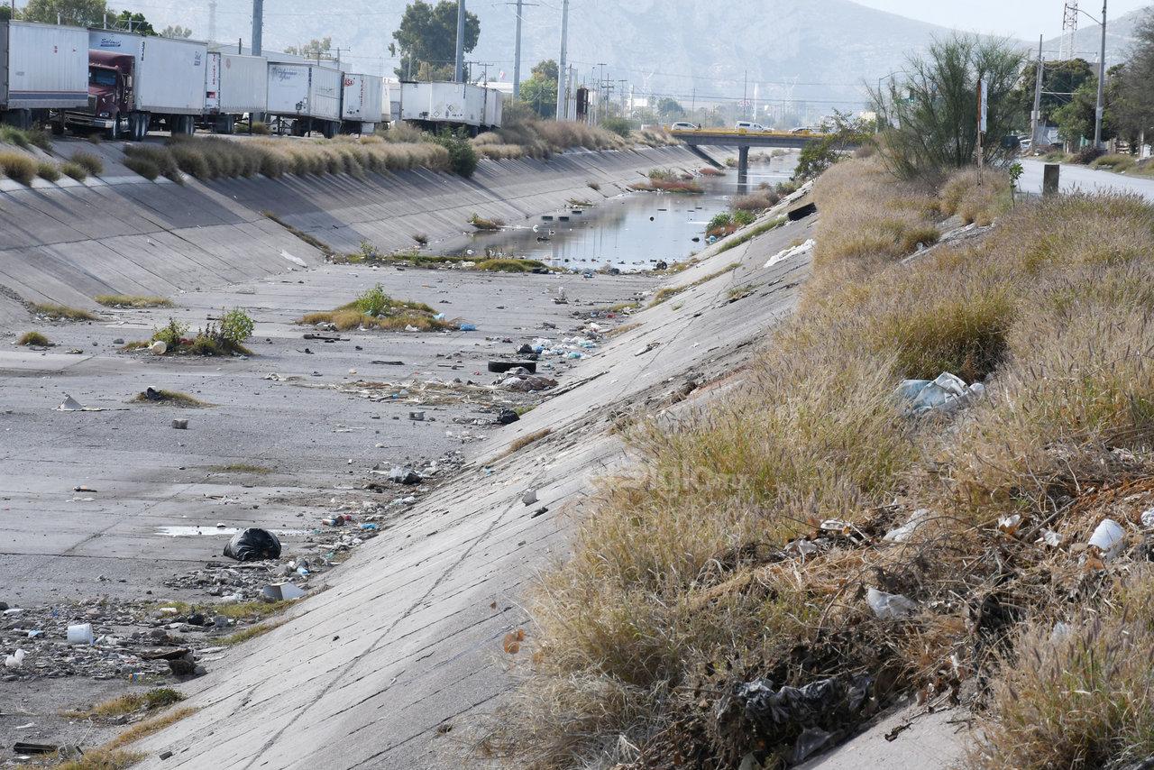 Filtraciones. En algunos tramos el concreto estaba dañado y se filtraba el agua pero hace unos días observaron que se está rehabilitando.