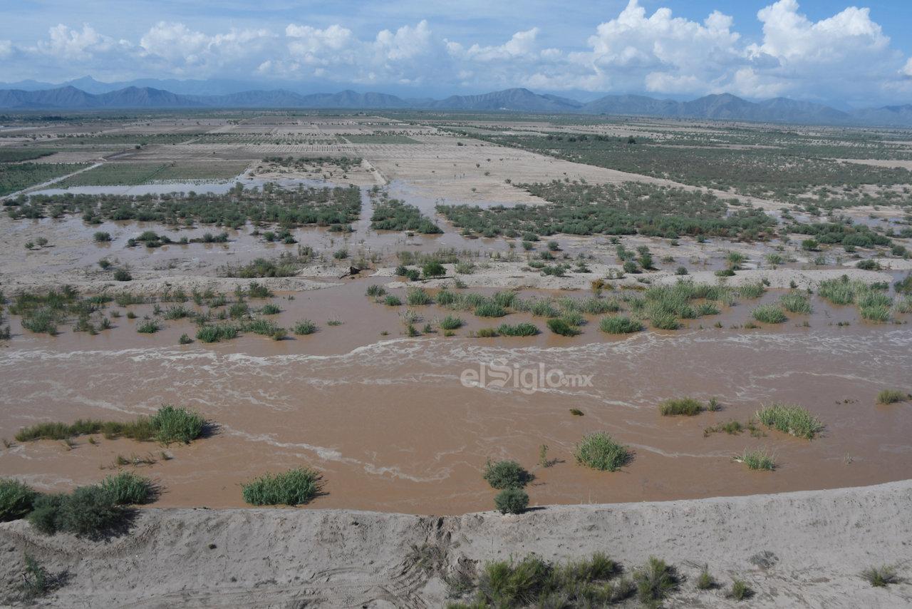 Desde una perspectiva área se pudo observar el paso del río por su cauce natural, como efecto de las recientes precipitaciones, por lo que se activaron las medidas de emergencia por parte de las autoridades.