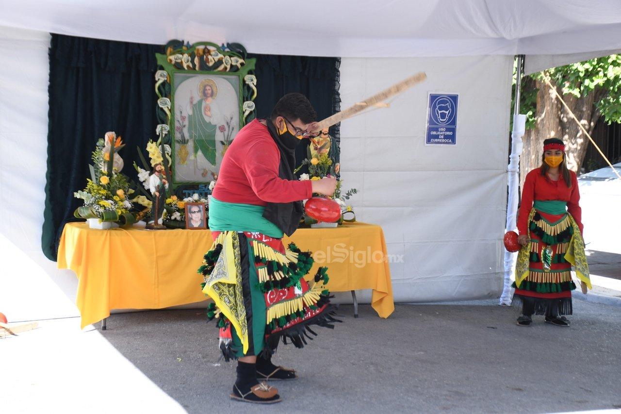 Los diferentes grupos de danzantes, entre ellos los matlachines, mostraron su devoción con los diferentes pasos en honor a San Judas Tadeo.