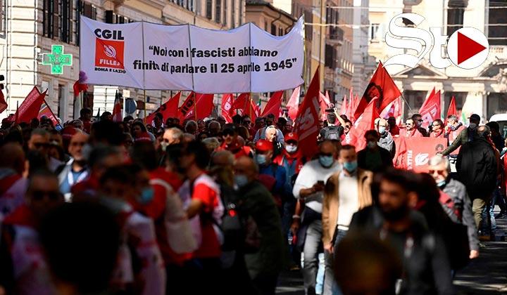 Decenas de miles marchan en Roma contra el fascismo