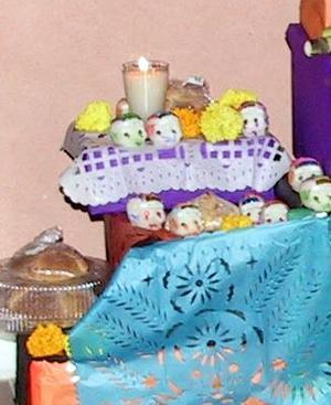*Altares de muertos*