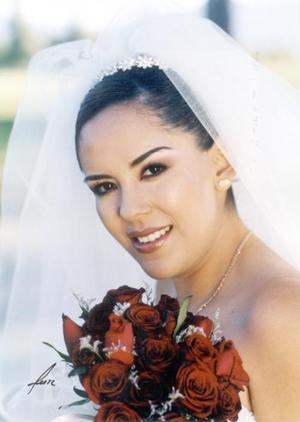 Srita. Ana Miriam Gómez mayoral el día de su enlace matrimonial con el Sr. Óscar Alberto Garza Reyes.