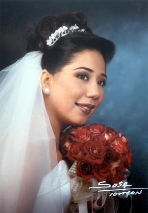 M.C.A. Isolda Rentería Rey contrajo matrimonio religioso con el Lic. Enrique Guerrero Banderas el 14 de diciembre de 2002