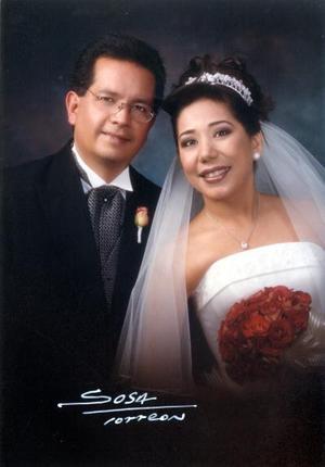 Lic. Enrique Guerrero Banderas y M.C.A. Isolda Rentería Rey contrajeron matrimonio religioso el 14 de diciembre de 2002