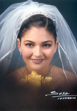Monserrat Marina González Morales unió su vida a la de Gerardo Iván Macías Rodríguez el 15 de diciembre de 2002.