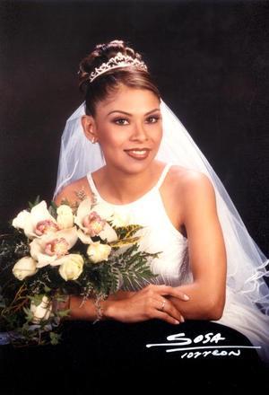 Lic. Diana Sustaita Arguijo contrajo matrimonio reglioso con el Lic. Hugo Ruiz Olivares el 18 de enero de 2003