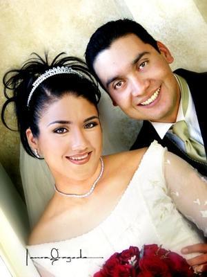 M.V.Z Carlos Barretero Castro e Ing. Lucía López Barbalena contrajeron matrimonio religioso el 14 de diciembre de 2002