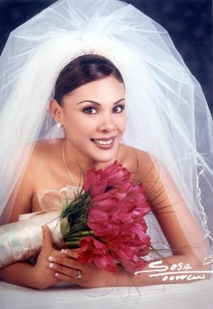 C.P. Claudia Bartoluchi Bautista contrajo matrimonio con el Lic. Julián Jaime Gómez  el 8 de febrero de 2003