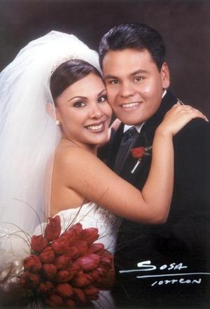 Lic. Julián Jaime Gómez y C.P. Claudia Bartoluchi Bautista contrajeron matrimonio el sábado 8 de febrero de 2003