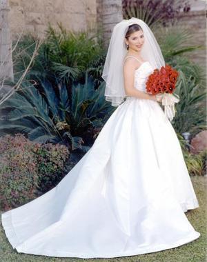 Lic. Irma Janeth Cáceres Ramos unió su vida a la del Ing. Cuauhtémoc Sánchez Saad en  ceremonia religiosa efectuada el 1 de febrero de 2003