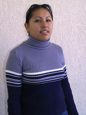 Janeth Virginia Campos Ruiz, Cebatis 196 de Matamoros  *** Para mi es un gran logro competir en este concurso, es una oportunidad muy grande que quiero aprovechar al máximo, porque yo siento que aquí me voy a realizar como una gran persona.   Estoy en el taller de declamación, y en mi comunidad participo como catequista; ayudo a los enfermos, visito ancianos, soy ministra de la comunión, tengo varias actividades, inclusive también pertenezco al grupo de jóvenes de mi comunidad.   Mi meta es llegar a ser una gran persona, llegar a ser alguien en la vida que pueda sobresalir, que mi nombre quede escrito para siempre.