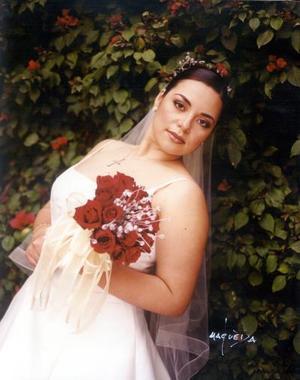 C.P. María Teresa Castañeda Reyes unió su vida a la del Ing. Alejandro Casas Mendoza el 8 de febrero de 2003