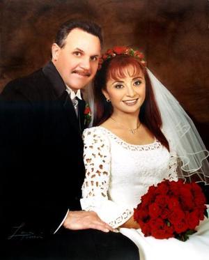 Wolter Johannes Hamstra y Maricela Garza Venegas recibieron la bendición nupcial el 15 de febrero de 2003