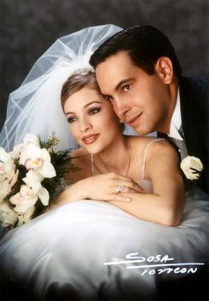 Ing. Mario Valdés Quintanilla y Lic. Liliana Uribe Duarte contrajeron matrimonio el sábado primero de marzo de 2003