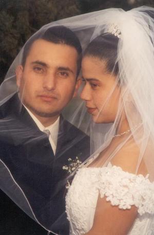 Ing. Ernesto Acosta Hernández y Lic. Norma Guadalupe Balmori Calderón unieron sus vidas el 25 de enero de 2003, en la ciudad de Bakersfield, California.