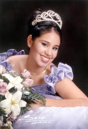 Estefanía Solís Cumplió quince años de edad el 8 de febrero de 2003