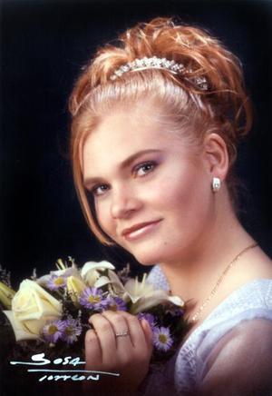 Srita. Perla Margarita López celebró sus quince años el 15 de febrero de 2003