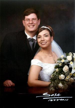 M.S.C. Bart Van Riet e Ing. María Concepción Ortega Ávalos contrajeron matrimonio  el 15 de marzo de  2003