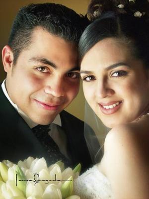 Lic. Héctor Augusto Goray Valdez y Dra. Ana Lucía Martínez Velázquez contrajeron matrimonio  el 21 de marzo de 2003