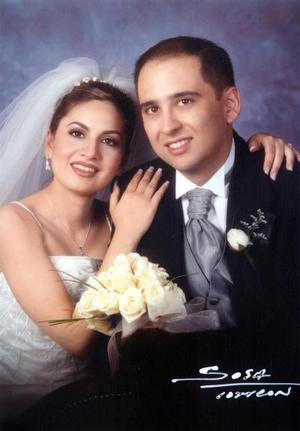 Ing. Víctor Manuel Gallegos Becerra y Lic. Mónica Zúñiga Mijares contrajeron matrimonio religioso el 22 de marzo de 2003.