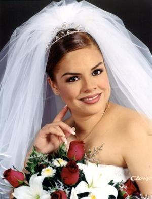 E.G. Luz Argelia Castillo Silveyra contrajo matrimonio con L.A.E. Arturo Emilio Ortiz Campos el 10 de abril de 2003