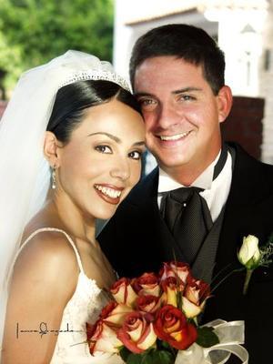 Lic. Ricardo Barriada de Anda y C.P. Ileana Monserrat Sáenz Estrada contrajeron matrimonio el cinco de abril de 2003