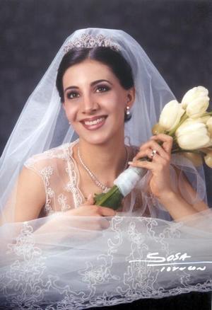 C.P. Sofía Papadópulos Murra contrajo matrimonio religioso con el Arq. Arturo Mijares Álvarez el 22 de marzo de 2003