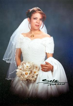 Srita. Lourdes Gabriela Reyes Muñoz unió su vida en ceremonia religiosa a la del Sr. Jesús Salazar González.