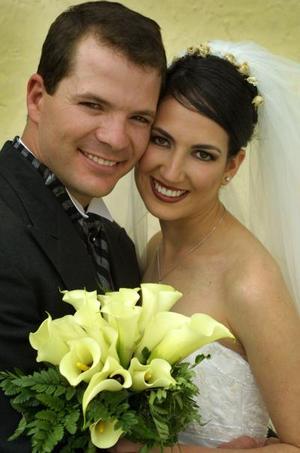 Sr. Fernando Jalife Sánchez y Srita. Liliana Garza Tijerina contrajeron matrimonio religioso  en la ciudad de Jiménez Chih., el cinco de abril de 2003.