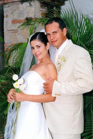L.A.E. Antonio de la Mora Eisenring y Lic. Marcela Galindo Herrera unieron sus vidas en matrimonio el siete de febrero de 2003