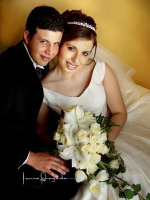 Sr. Cristóbal Issa Jiménez y Srita. Marisol Ramírez Núñez contrajeron matrimonio el viernes 25 de abril de 2003