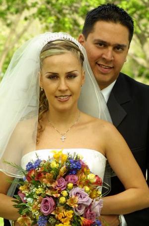 Ing. Salvador Beltrán del Río Anaya e Ing. Cristina Maturino Muñoz recibieron la bendición nupcial el 29 de marzo de 2003