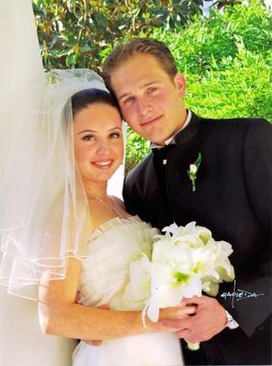 Sr. Ignacio Berlanga Pedraza y Srita Valeria Boheringer Farías contrajeron matrimonio religioso el 11 de abril de 2003