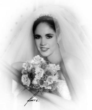 Srita. Marcela Campos Escobedo el día de su enlace matrimonial con Sr. Antuán Morales Torres