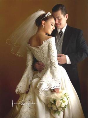 Dr. René Silva Vásquez y Srita. Haydeé Valdés Castillo contrajeron matrimonio religioso el 14 de junio de 2003