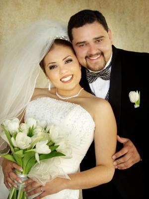Carlos Arturo Martínez Salazar y Diana Elvira Samperio Velázquez contrajeron matrimonio  el 21 de diciembre de 2002