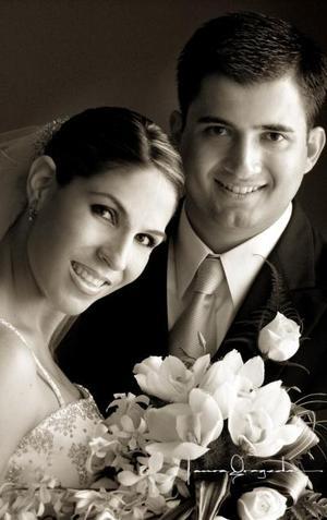 Sr. Federico Javier Montoya Valdés y Srita. Luisa Fernanda Méndez Batarse contrajeron matrimonio religioso  el siete de junio de 2003