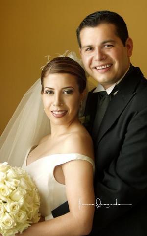 Sr. Francisco Javier Romo Luján y Srita María Teresa Castañeda Rojas contrajeron matrimonio  religioso el sábado 31 de mayo de  2003