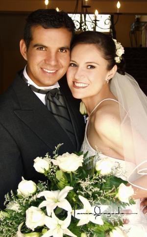 Ing. Jesús Eduardo Massú González y Noemí Gabriela de León Piña contrajeron matrimonio el siete de junio de 2003