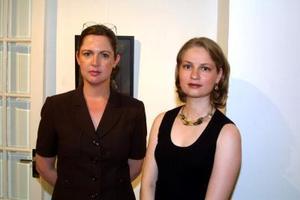 Cristina Treviñoa y Silvia Córdoba.