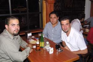 Javier Cisneros, Jorge Espino y Larry Blanco.