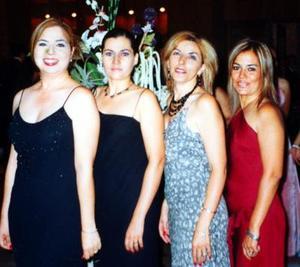 Asistieron a reciente acontecimiento social Victoria Armendáriz, Ana Medrano, Mariana Flores y Paty Medrano.