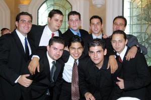 Bernardo Muñoz, Enrique, Héctor, Humberto , Memo, Paco, Omar y Ricardo, invitados a la boda de Edwin Santibáñez y Gabriela Gama.