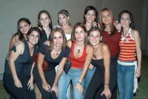 Arriba.- Barby, Ana Cris, Mónica, Estela, Anabel, Carmen. Abajo.- María Madero, Paulina y Mariana Peña.