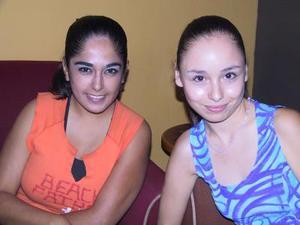Mary Carmen Aguirre y Annel Velasco.